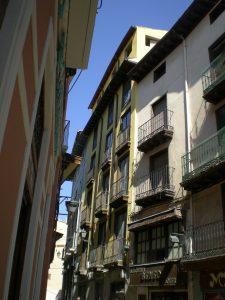 Edificio restaurado en calle de la Rúa de Dato de Calatayud