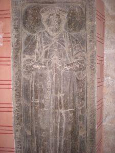 Lápida de caballero templario en la Iglesia de San Pedro de los Francos de Calatayud