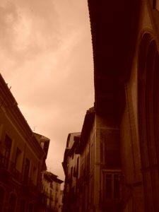 Calle de la Rúa en día de tormenta