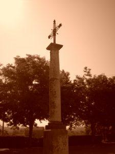Cruz que se alzaba frente al convento de Capuchinos
