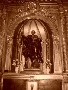 Altar de San Francisco Caracciolo en el Santuario de la Virgen de la Peña